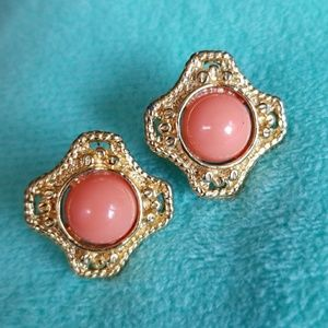 unknown Jewelry - CORAL color stones post earrings